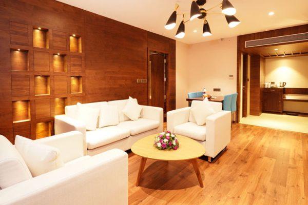 Business Class Hotel Kochi - Coral Isle
